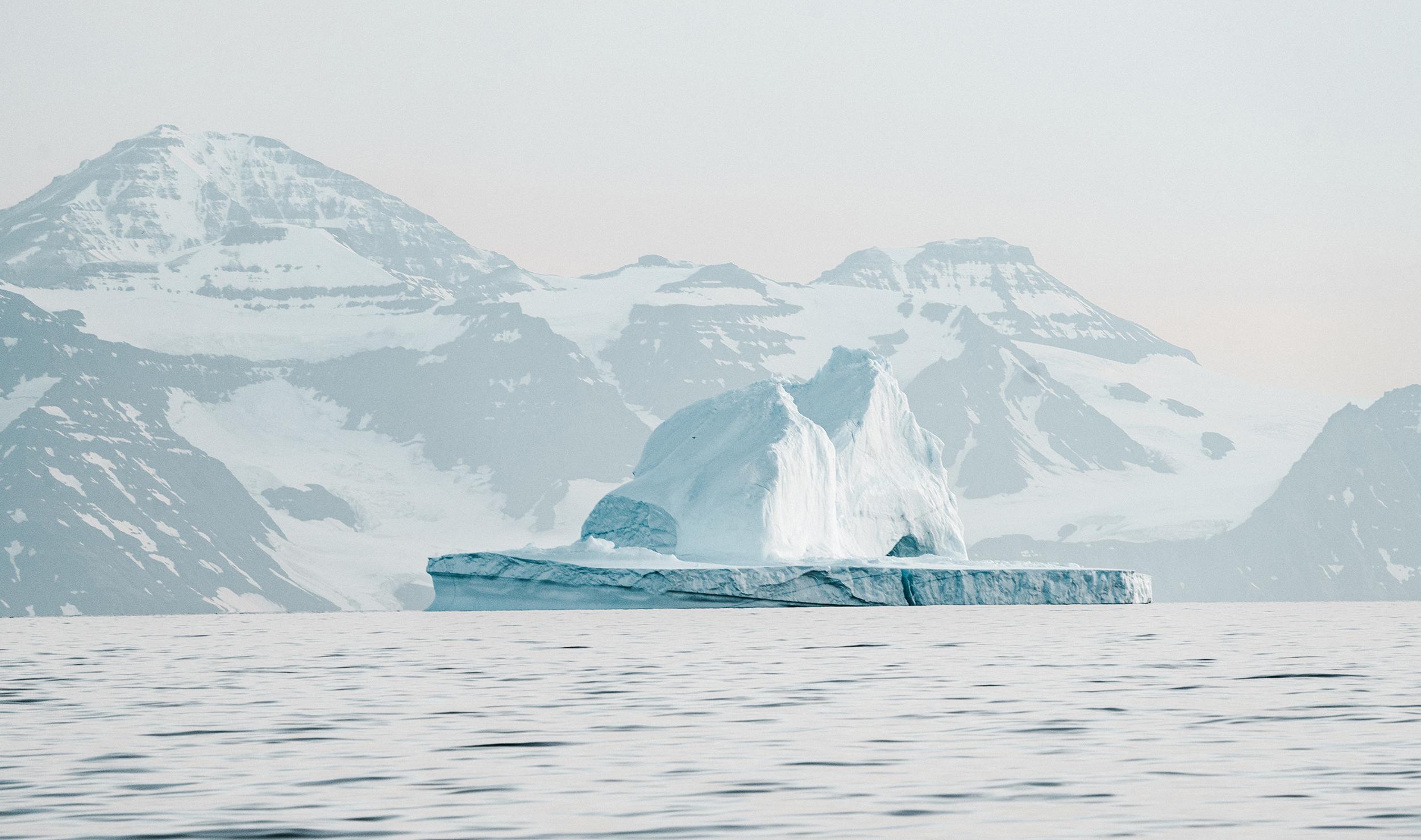 【北极】(极地探索号邮轮)中国人包船北极熊王国摄影巡游 11 天之旅