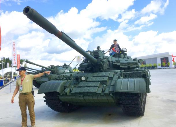 【俄罗斯】夏令营 NO.2 热血军事 现场观摩国际坦克大赛
