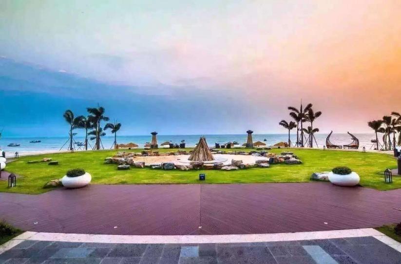 """【直通车】小漠南方澳私家沙滩海景度假村、皮划艇、看日出、鲘门海鲜大餐""""十二道海丰味""""二天游"""
