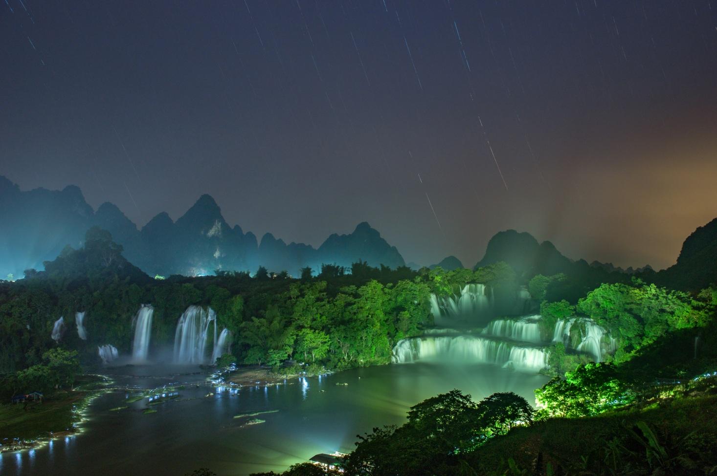 【穿越·瀑屿海】 德天瀑布·通灵峡谷·巴马寿乡·北海5日游