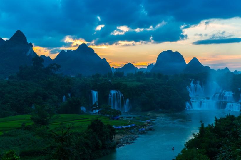 【悠游·山水壮乡】 南宁-德天跨国瀑布·通灵大峡谷4日游